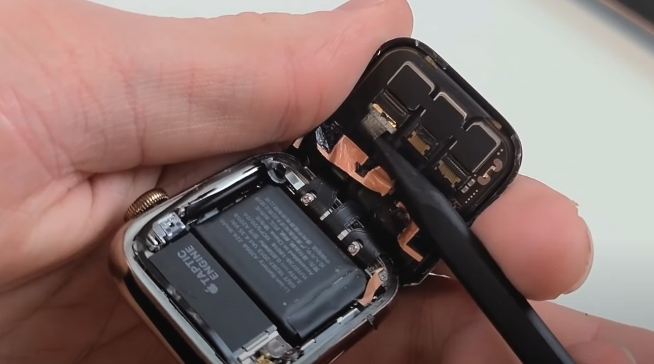 Замена дисплея Apple Watch 4
