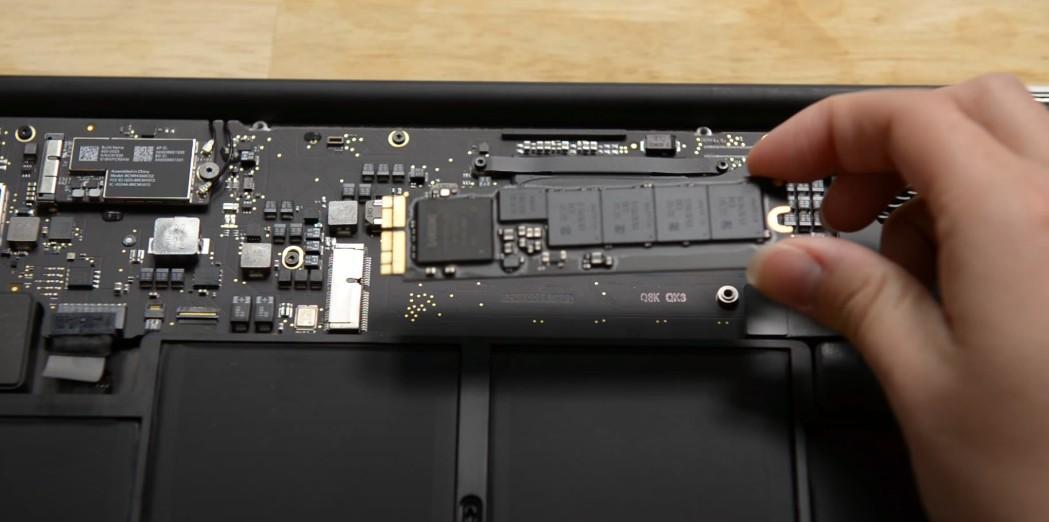 Замена SSD на Macbook Air