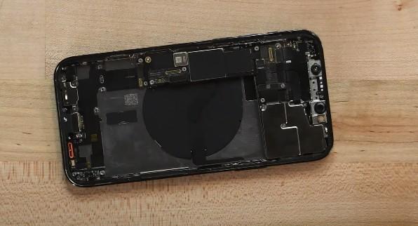 Аккумулятор iPhone 12