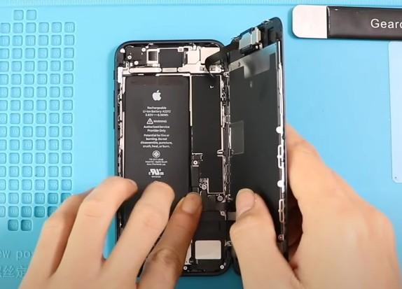 Аккумулятор iPhone SE 2