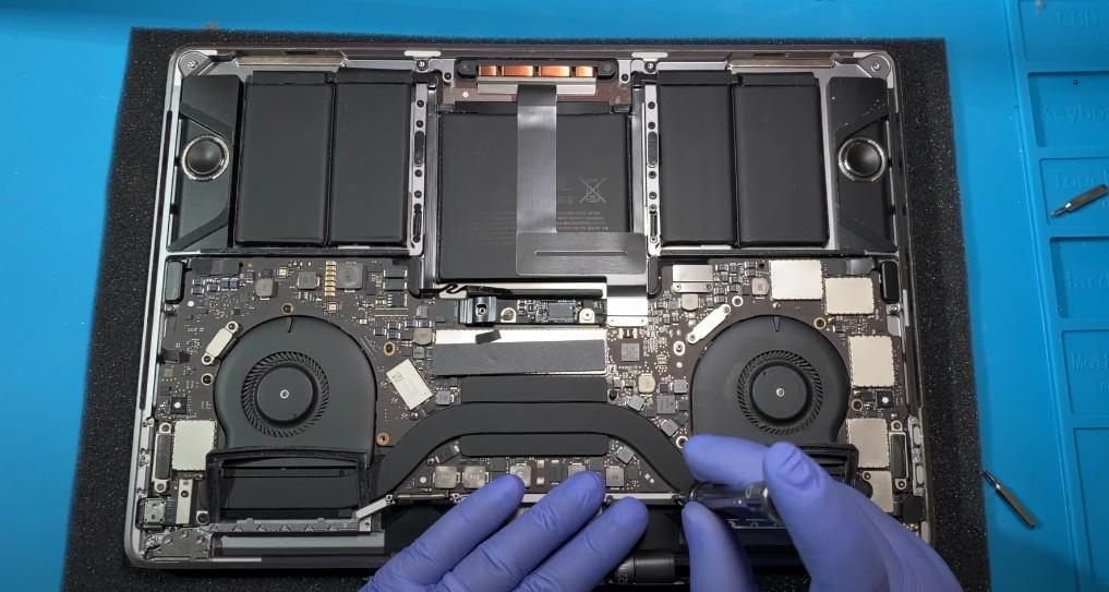 Замена дисплея Macbook Pro 13