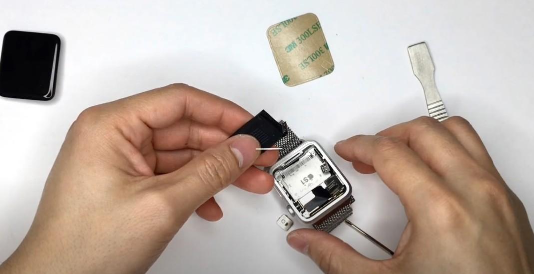 Замена аккумулятора на Apple Watch 1